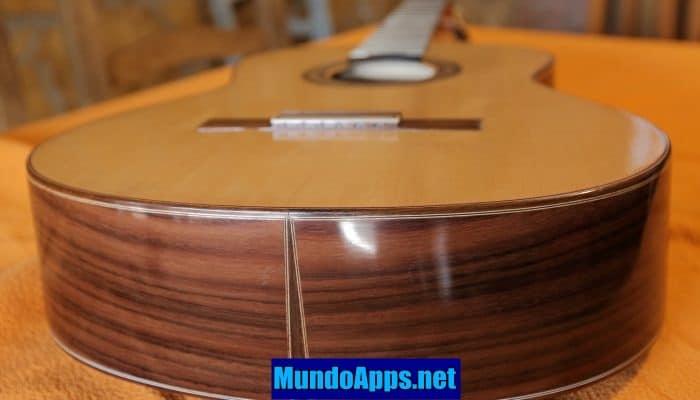 Die 6 besten Apps, um 2021 Gitarre spielen zu lernen